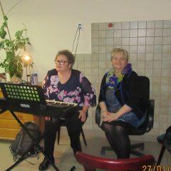 Wieczorne kolędowanie w Klubie Seniora
